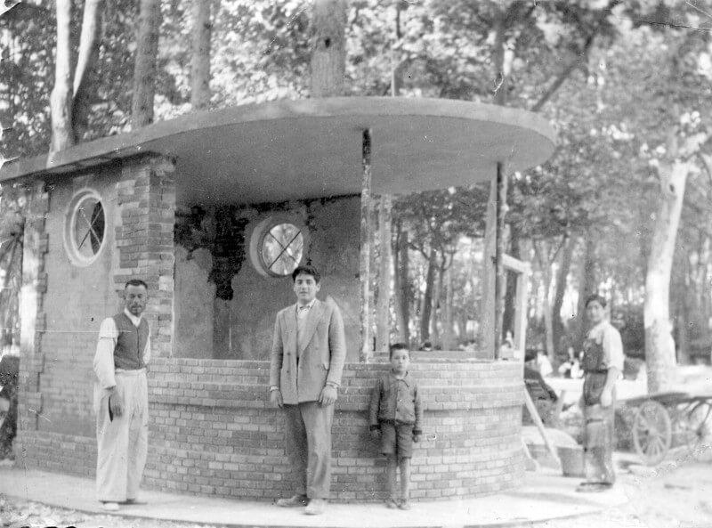 1950 – Construcción de kiosko en parque Abelardo Sánchez